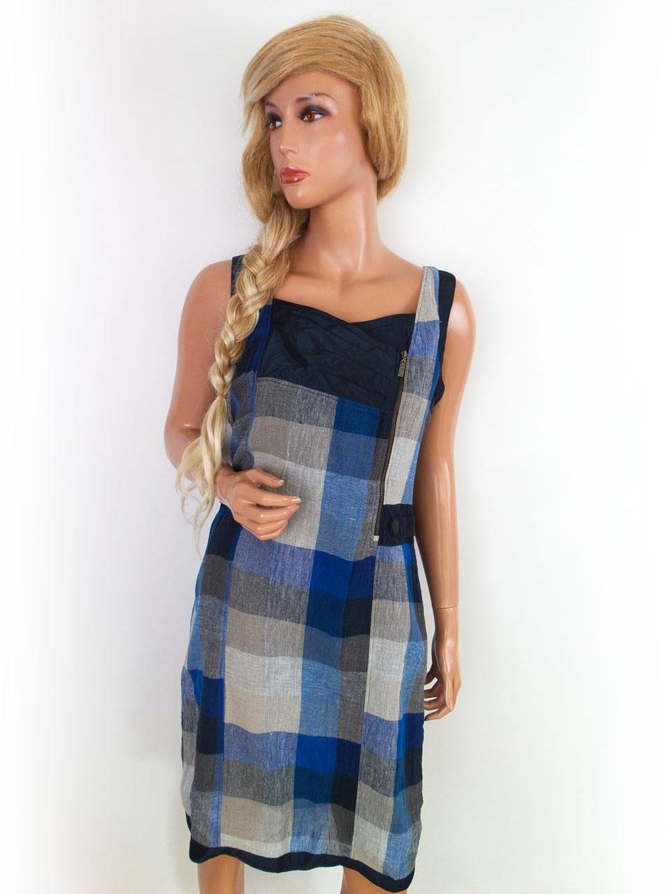 ae66026e5c03 ... CARLA DU NORD størrelse 36 kjole på en linned blå gitter stropper.